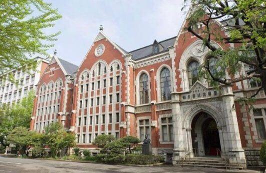 中川梨花は慶應義塾大学に通っている
