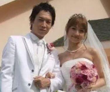 結婚のタイミングが計算高い小倉優子と旦那の結婚式画像