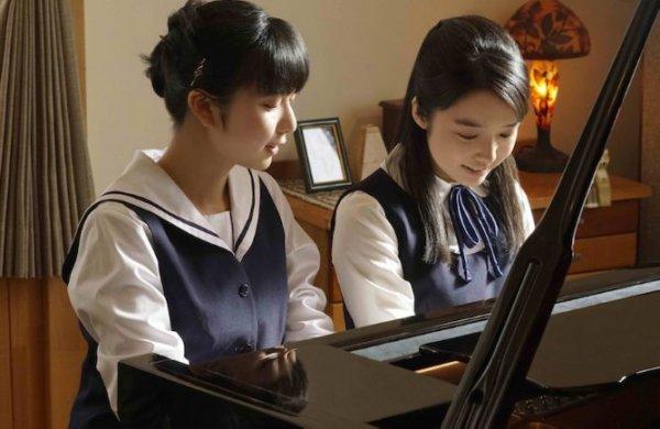 上白石萌音は妹の萌歌と「羊と鋼の森」でピアノ披露