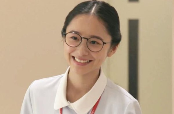 堀田真由は「恋はつづくよどこまでも」で新人看護師役を演じる