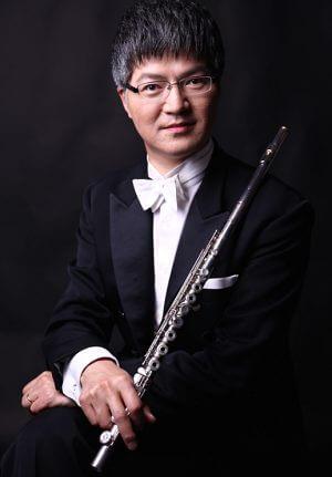 フルート奏者のNHK交響楽団神田寛明