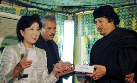 小池百合子は、アラファト議長やカダフィ大佐の通訳をしていた