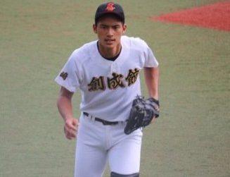 岡田健史は野球部のイケメンキャッチャー