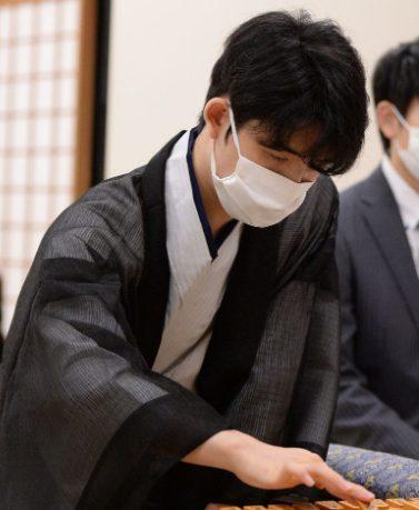 藤井聡太棋聖がマンゴープリンを2日連続注文!ネットの声