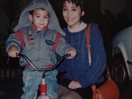 ユージの母親は元モデルだった!
