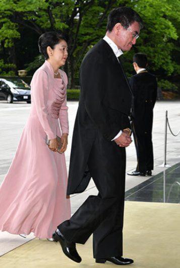河野太郎と嫁・香夫人の馴れ初めは一目ぼれだった!?